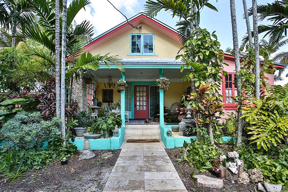 The little farm house miami florida for Farm house pics